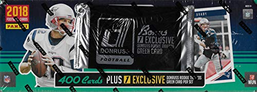 Rookie Topps Card Football (2018 Donruss NFL Football Factory Sealed Set Loaded with Stars and Hall of Famers plus 100 Rookie Cards including Baker Mayfield and Sam Darnold Plus an EXCLUSIVE Rookie Threads Jersey (No Topps made))