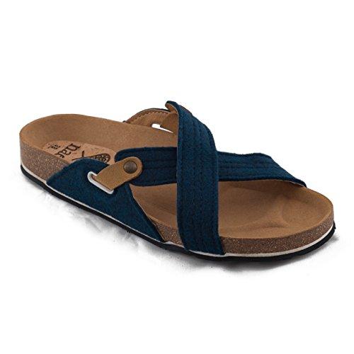 nae Paxos PET Blue - sandales 100% véganes et écologiques. Faits avec PET recyclé de bouteilles en plastique et une semelle fait en pneus recyclés.