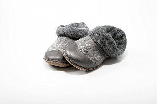 Handmade gray felted wool ankle boots for women with knitted leg warmers and leather by BureBure