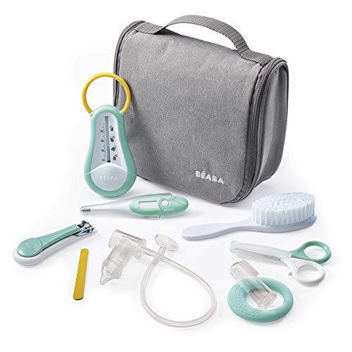 Béaba - Kulturbeutel Bébé Nomade - 9 Teile, wie Badethermometer, Digitalthermometer, Beißring, Zahnfleischmassagegerät - Must-Accessoires für die Toilette und Babypflege - Ballspritze