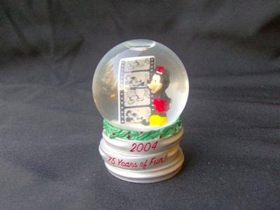 Mickey Mouse 2004 JC Penny's Snow Globe