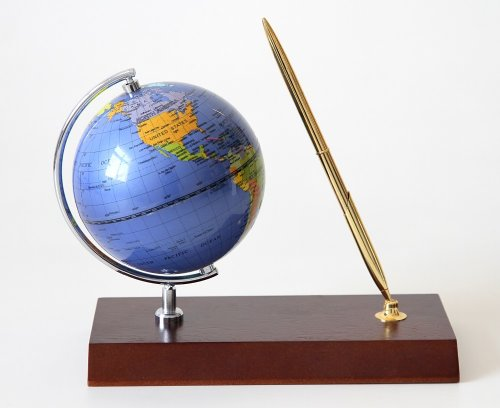 Lily's Home Handcrafted Rotating Globe Executive Desk Pen Set, Cherry Wood Base (Gift Set)