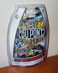 Jeff Gordon #24 Camo Camoflague Dupont National Guard 1/64 Scale & Bonus Magnet 1/24 Scale Hood Winners Circle Edition ()