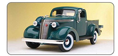 (Road Signature 92458 Scale 1:18 1937 Studebaker Coupe Express Vehicle, Dark Green)