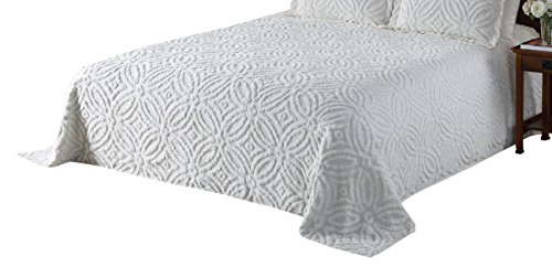 Beatrice Home Fashions Wedding Ring Chenille Bedspread, Queen White (Bedspreads White Chenille)