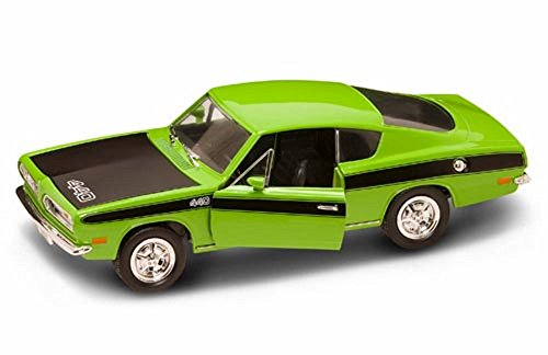 1969 Plymouth Barracuda, Green with Black Hood - Road Signature 92179 - 1/18 Scale Diecast Model Toy Car (Signature Model Cars)