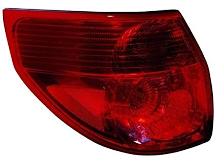 Toyota Sienna Replacement Tail Light Assembly   Driver Side