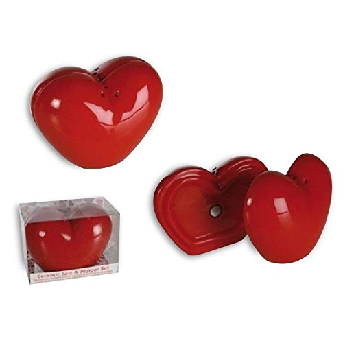 Salt and pepper shakers shaped magnetic heart pepper salt