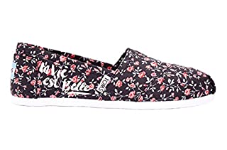 TOMS Classic Casual Shoes in Black Textile Floral, 10 (B01BLTN1K4) | Amazon price tracker / tracking, Amazon price history charts, Amazon price watches, Amazon price drop alerts