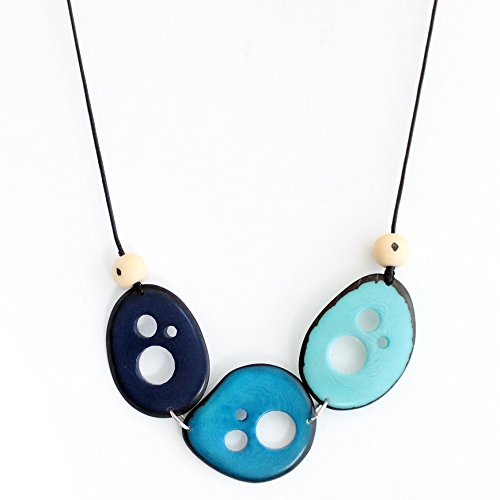 Flakes Tagua Necklace in (Lightweight Turquoise Necklace)