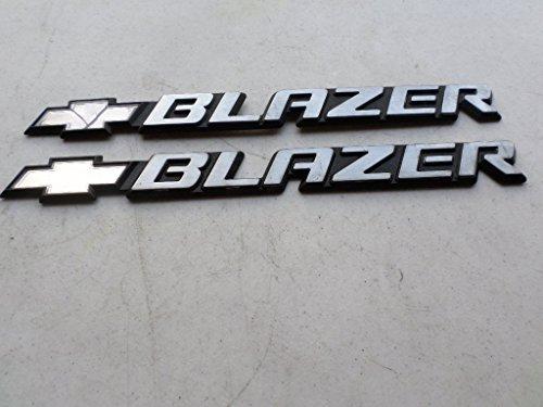 96-05 Chevy Blazer Side Door Fender 15672283 Nameplate Ornament Logo Decal Set of ()