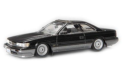 1/43 日産 F31 レパード アルティマ 1988後期型 オプションホイール(ブラックパールツートン) 0077498