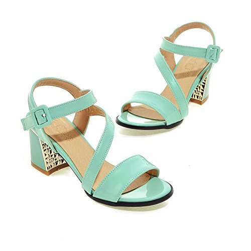Allhqfashion Women's Open Toe Kitten-Heels Patent Leather Solid Buckle Sandals Green 5C3xbP