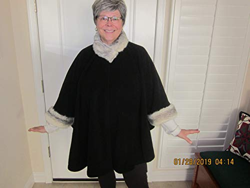 black fleece Poncho Cape with REAL GENUINE cross-dyed MINK FUR ()