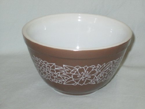Vintage 1978 Pyrex 750 ml Mixing Batter Bowl - Woodland / Woodsy Flowers Pattern - #401