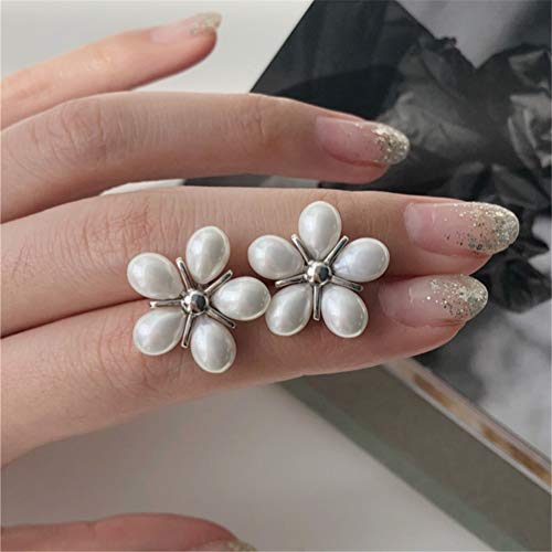 MENGKE 925 Sterling Silver Five-Petal Flower Shell Pearl Earrings Round Pearl Earrings Hypoallergenic