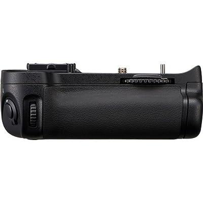 Nikon MB-D11 Multi-Power Battery Pack for Nikon D7000 Digital SLR Camera - Retail Packaging