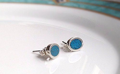 tiny-turquoise-oval-shaped-throat-chakra-sterling-silver-stud-earrings