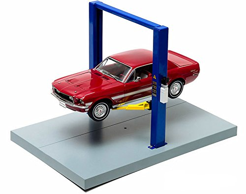Two Post Lift Yellow / Blue For 1/18 Scale Diecast Model Cars by Greenlight 12915