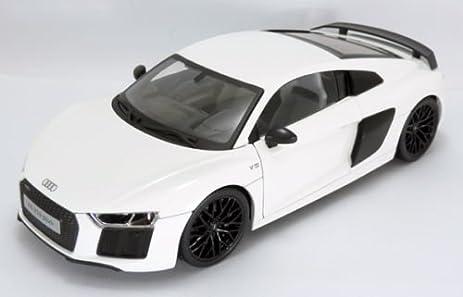 Amazoncom Audi R V Plus White Exclusive Edition By Maisto - Audi r8 v10