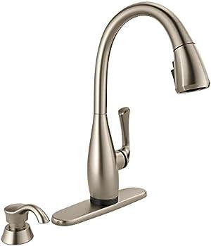 Delta Dominic Single-Handle Pull-Down Sprayer Kitchen Faucet