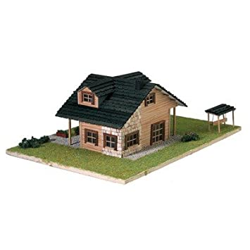 Maison en kit - Country collection : Chalet moderne: Amazon.fr: Jeux ...