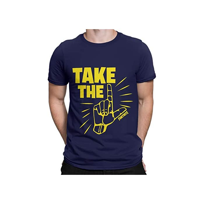 """41fjaDaVOFL Camiseta para hombres de Fortnite. Este es un asombroso top azul marino que viene con el épico baile """"Take the L"""" en contrastante amarillo. 100% Algodón"""