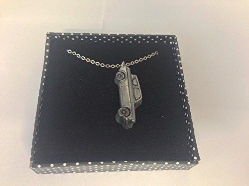 FORD ANGLIA 105E Berline 3D Pendentif sur collier plaqué argent platine fait main 45,7cm ref69