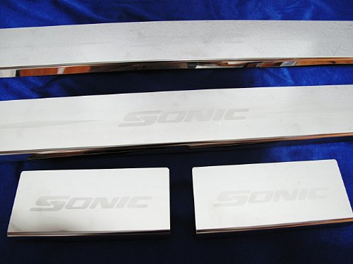 Scuff Plate Stainless Steel Sills for Chevrolet Sonic 5 Door Hatchback 2013 2012