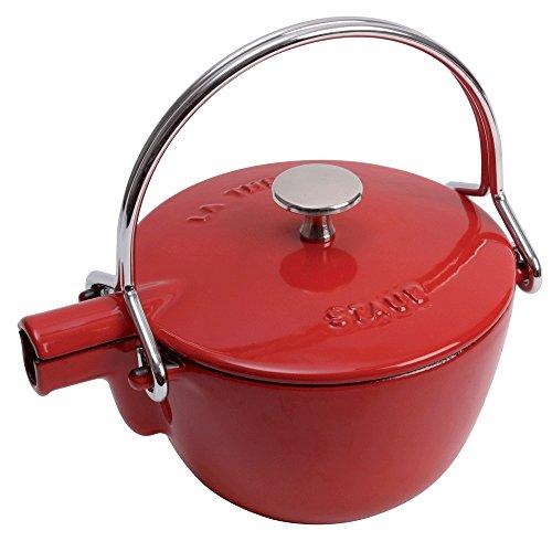 Theiere Tea - Staub 1650006 Cast Iron Round Tea Kettle, 1-quart, Cherry