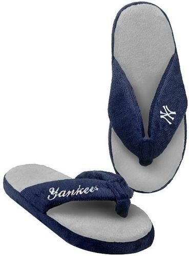 (Forever Collectibles New York Yankees MLB Licensed Women's Flip Flop Thong Slipper Adult Sizes (M))