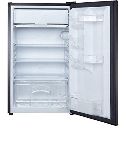 Magic Chef MCBR440B2-00 Single Door Refrigerator, 4.4 cu.ft, Black