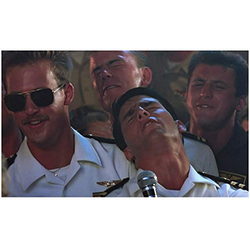 Top Gun Tom Cruise as Maverick and Anthony Edwards as Goose singing karaoke 8 x 10 Inch Photo