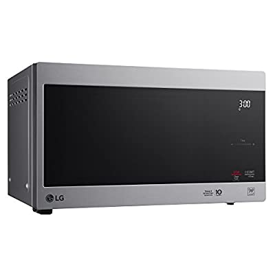 LG LMC2075ASB Neochef Countertop Microwave with Smart Inverter