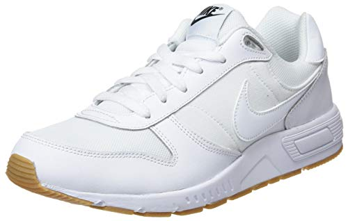 NIKE Nightgazer, Scarpe da Corsa Uomo Multicolore (White/White/Gum Light Brown/Black 001)