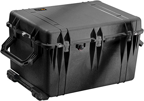 Pelican 1660 Case With Padded Dividers (Black)