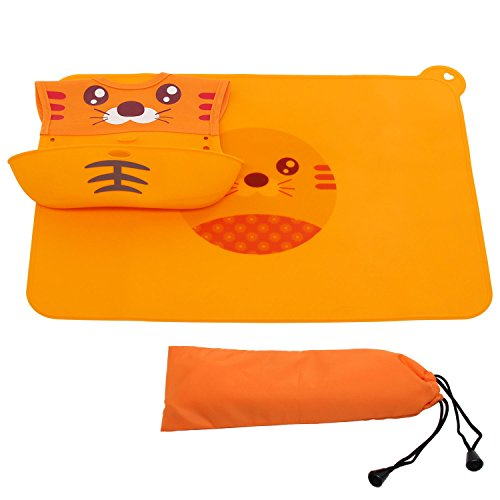 Xcellent Global Silicone Placemat and Bib with Pocket Set Waterproof Food Grade Soft for Baby Kid Toddler HG151