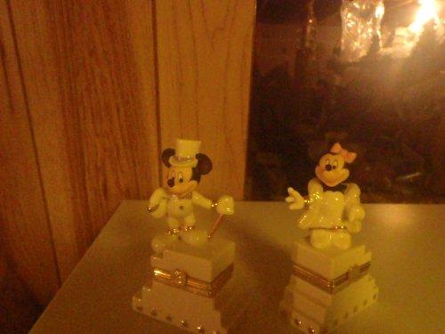 Mickey and Minnie's 75th Anniversiary Treasure Box Set