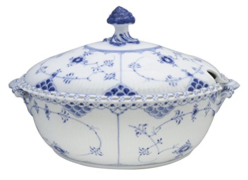 (Royal Copenhagen Blue Fluted-Full Lace Oval Tureen & Lid)