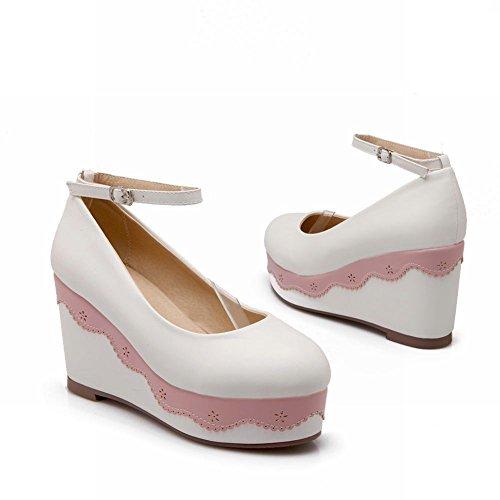 Piattaforma Delle Donne Adorabili Della Piattaforma Della Caviglia Del Cinturino Della Caviglia Adorabile Di Modo Delle Scarpe Bianche
