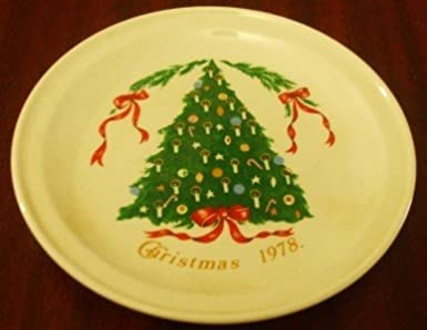 1978 Christmas Tree Lillian Vernon Plate Carrigaline Pottery Ireland County Cork & 1978 Christmas Tree Lillian Vernon Plate Carrigaline Pottery Ireland ...