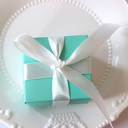 Bueer 100pcs Tiffany Blue Modern Minimalist Design Candy Favor Candy Chocolate Gift Box Bonbonniere for Wedding Party Favor Birthday Anniverary Bridal Shower Decoration with Ribbons -