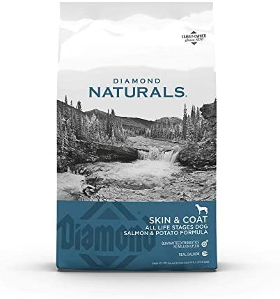Diamond Naturals Skin & Coat Real Salmon and Potato Recipe Dry Dog Food with Protein, Superfoods, Probiotics and Essential Nutrients to Promote Healthy Skin and Coat