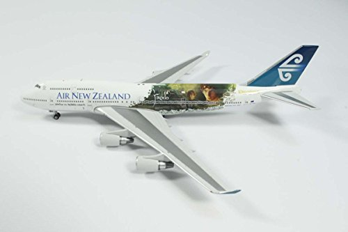 ph4anz1008-phoenix-air-new-zealand-lotr-b747-400-model-airplane