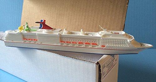 carnival-legend-cruise-ship-model-in-scale-11250-souvenir-series