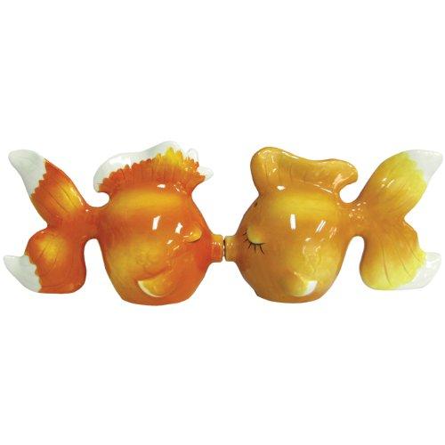 (Westland Giftware Mwah Magnetic Goldfish Salt and Pepper Shaker Set,)