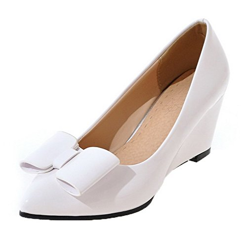 VogueZone009 Women's Pull-On Kitten-Heels PU Solid Pumps-Shoes White Z6AAqhsF6Y