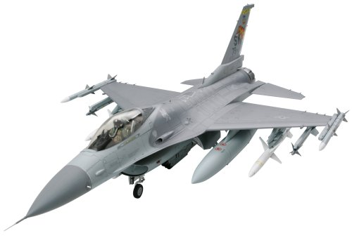 - Tamiya America, Inc 1/32 F-16CJ Fighting Falcon, TAM60315