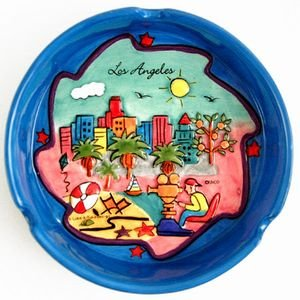 (4 6/18) Los Angeles Ashtray Hand Painted Blue Puff With Copyrighted CA Bear Magnet