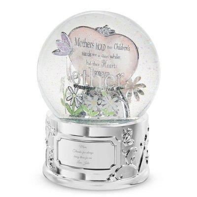 Amazoncom Mom Snow Globe Personalized Snowglobes Everything Else
